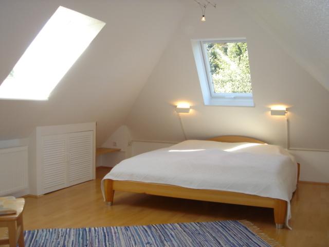 ferienwohnung schladebusch ausstattung schlafzimmer. Black Bedroom Furniture Sets. Home Design Ideas